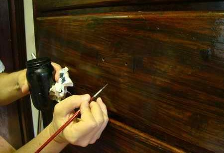 Restauro e lucidatura mobili antichi