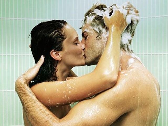 sesso-in-doccia-ciclo