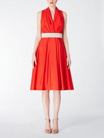 abito-rosso-con-cintura-bianca-2014