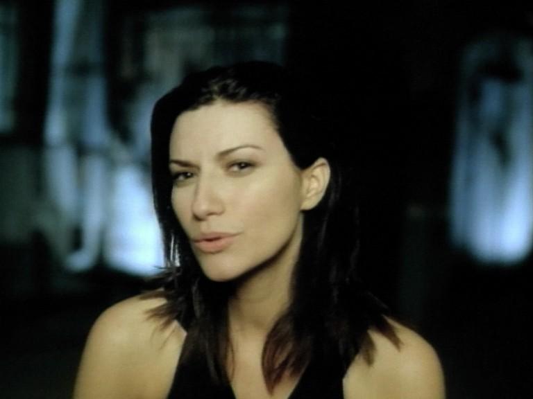 Laura-Pausini-Come-se-non-fosse-stato-mai-amore